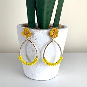 🌺Yellow and Gold Flower Earring